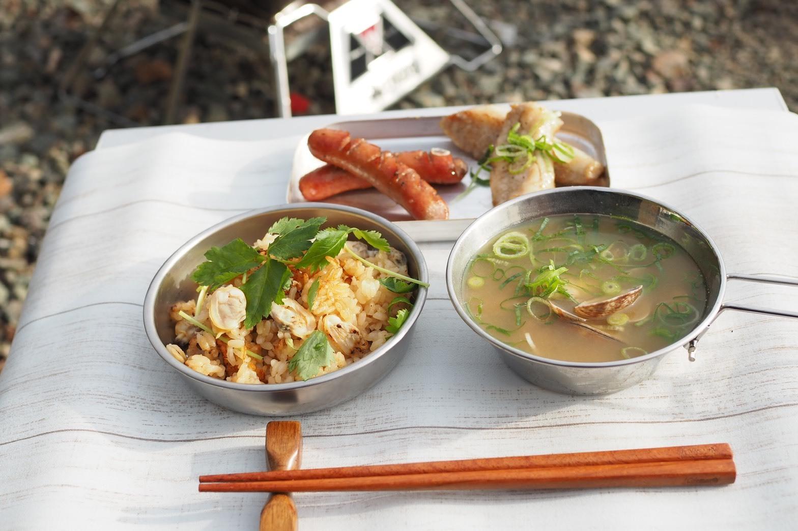 ぴーきちハーレーブログ キャンプ飯 メスティン あさりご飯 あさりの味噌汁 ウィンナー