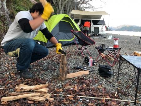 ぴーきちハーレーブログ 奥琵琶湖キャンプツーリング 滋賀県 二本松キャンプ場 バトニング 鉈