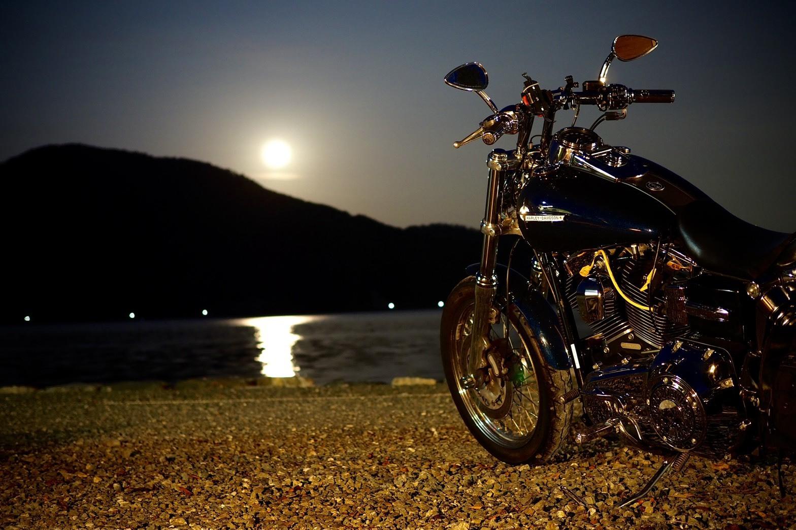 ぴきーちハーレーブログ 奥琵琶湖キャンプツーリング 二本松キャンプ場 月明かり 美しい景色