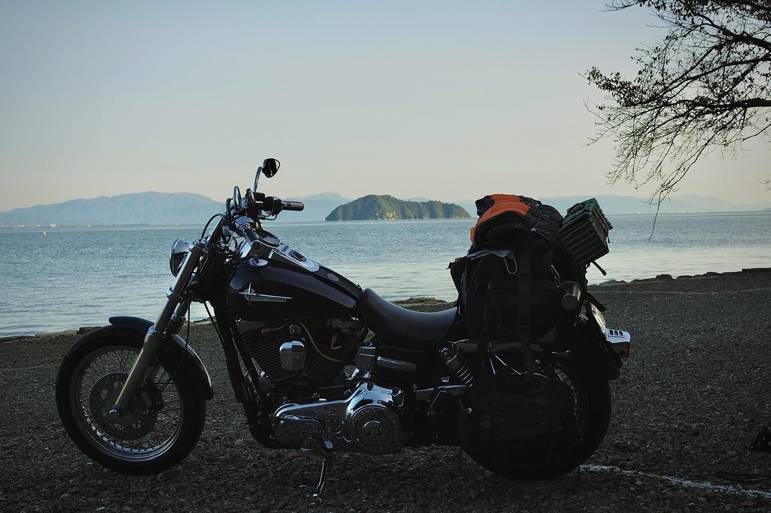 ぴきーちハーレーブログ 奥琵琶湖キャンプツーリング 二本松キャンプ場の景色 竹生島