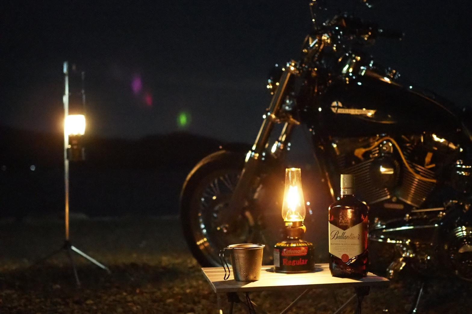 ぴきーちハーレーブログ 奥琵琶湖キャンプツーリング 二本松キャンプ場 キャンプ 夜更け ウィスキー