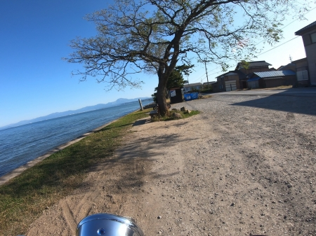 ぴーきちハーレーブログ 奥琵琶湖キャンプツーリング あのベンチ インスタ