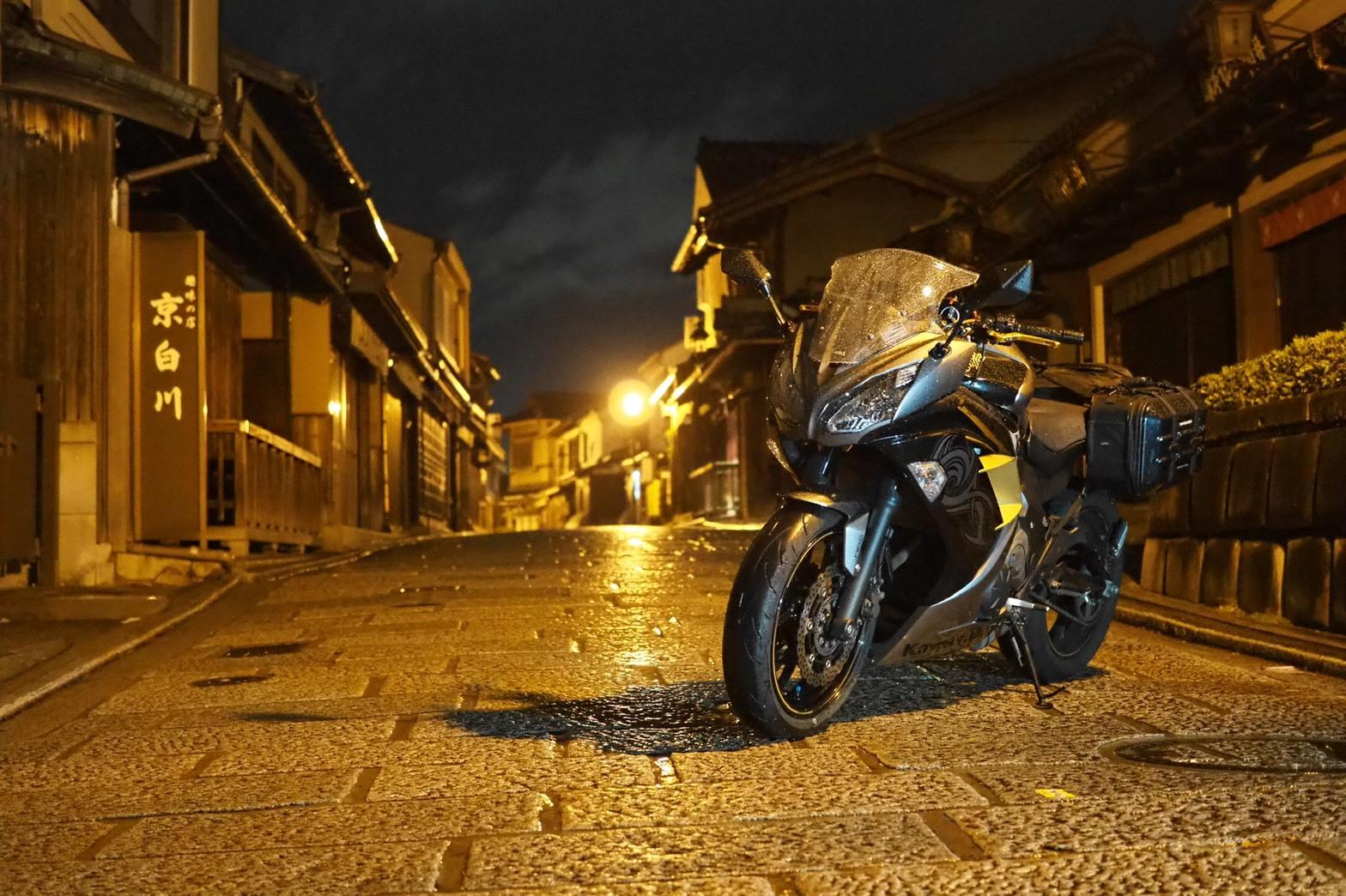motorcycle-blog-kyoto-nighttouring-nightview-sannenzaka-sanneizaka-ninja-kawasaki.jpg