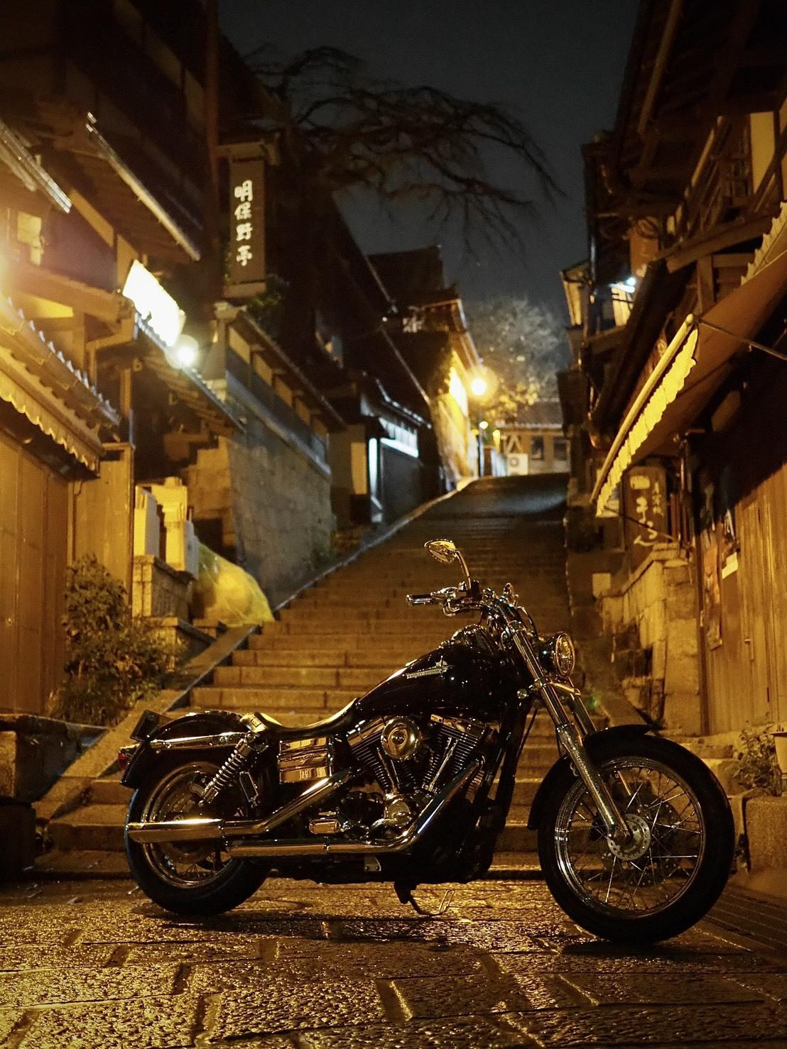 ぴーきちハーレーブログ 京都ナイトツーリング 三年坂 産寧坂 夜景 階段 雨の京都