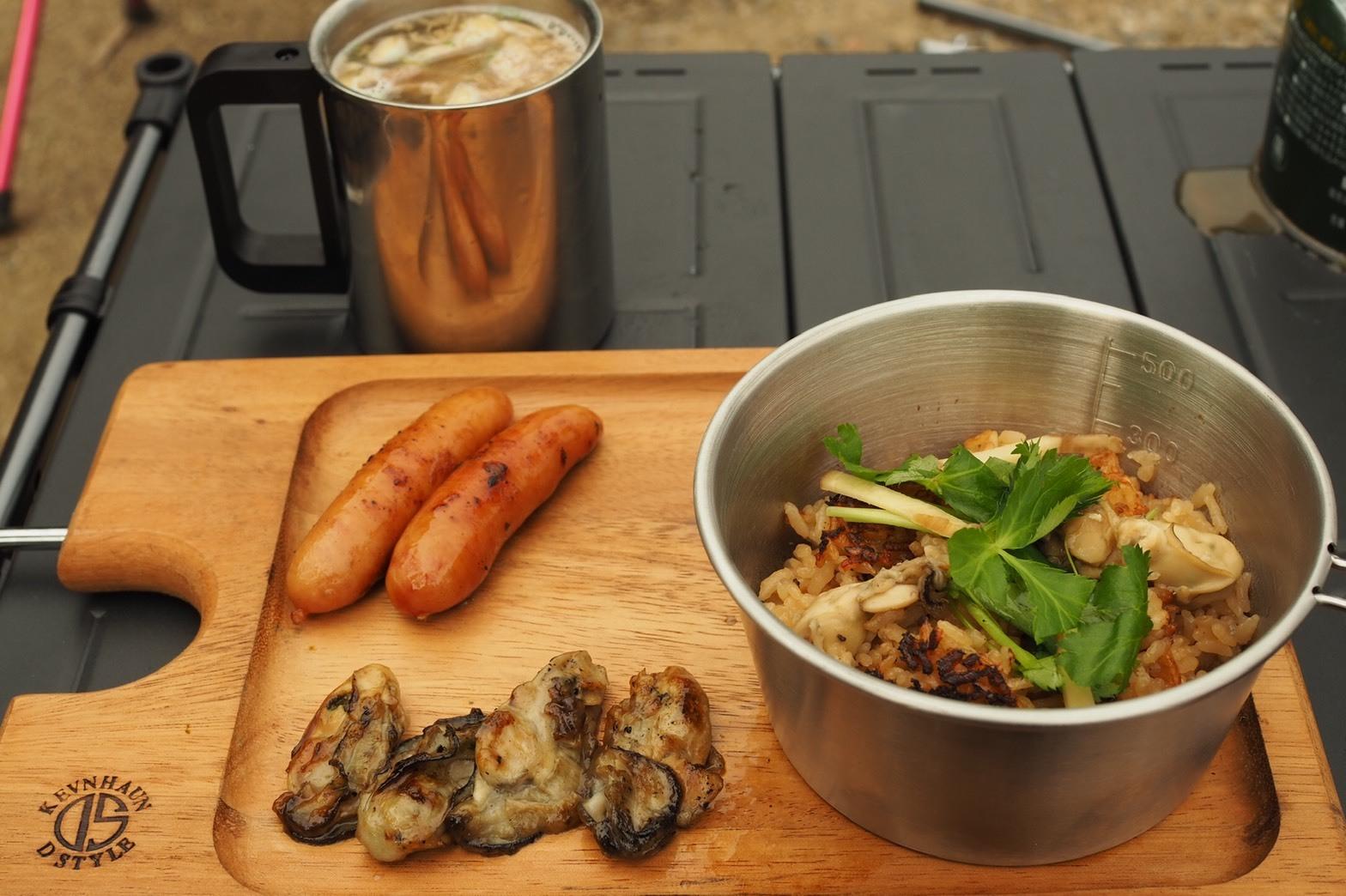 ぴーきちグルメブログ キャンプ飯 メスティン 牡蠣ご飯 作り方 朝食完成