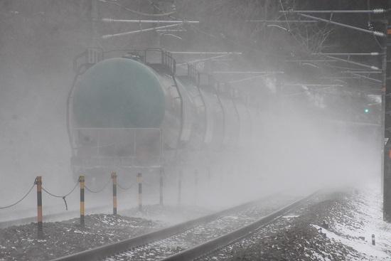 2021年1月9日撮影 西線貨物6088レ 雪を舞い上げて 後撃ち緑タキ