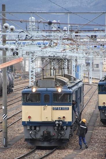 2021年1月17日撮影 南松本にて西線貨物8084レ機回し 無線機渡し