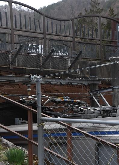 2021年4月4日撮影 贄川にてキヤ95の潰れたパンタグラフのUP