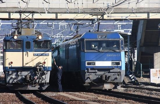2021年1月30日撮影 南松本にて 西線貨物8084レ 機回し 運転士さんからの差し入れ