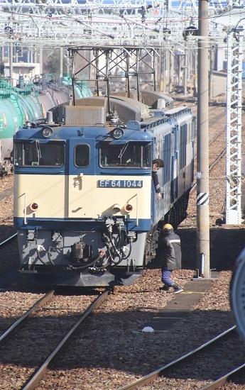 2021年2月14日撮影 南松本にて西線貨物8084レ 機回し 風のイタズラ