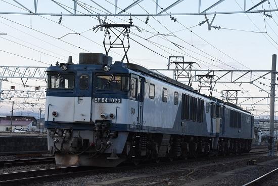 2021年4月10日撮影 南松本にて 篠ノ井線8087レ 機回しが終わり発車待ち