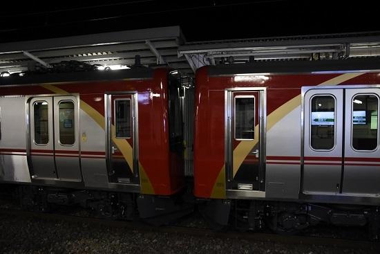 2021年1月21日撮影 岡谷駅にてしなの鉄道SR1系 S201+S202編成連結