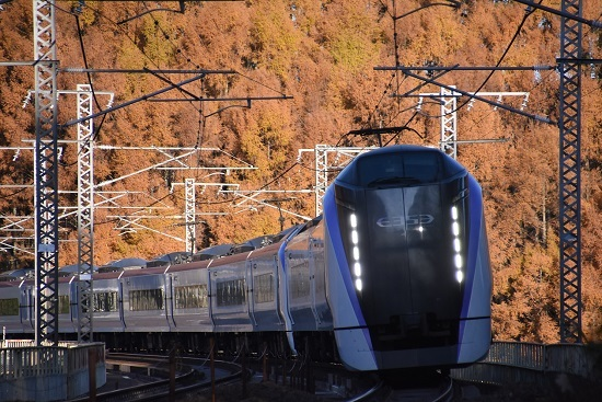 2020年11月15日撮影 立場川鉄橋にて 6M E353系「あずさ6号」 その1