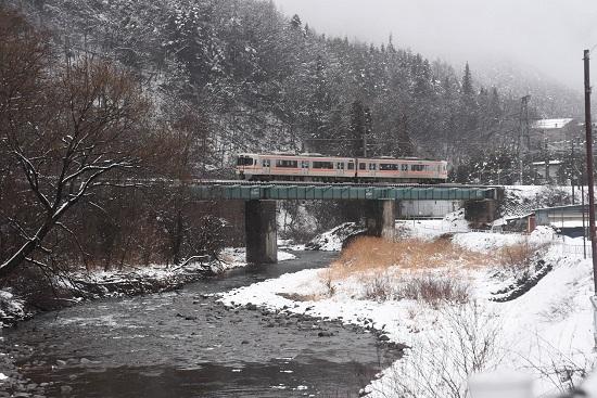2021年1月24日撮影 木曽平沢の鉄橋にて1831M 313系