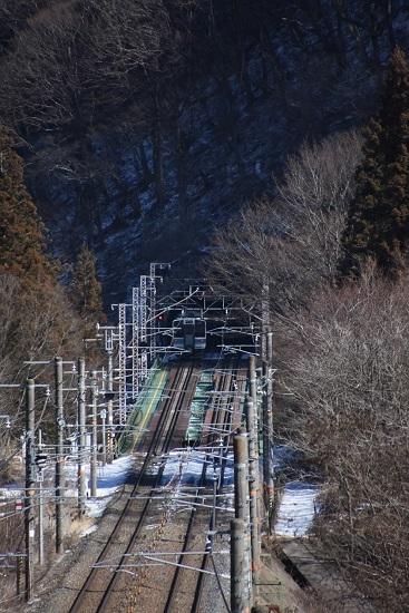 2020年1月30日撮影 西線は日出塩-贄川にて 211系がトンネルへと