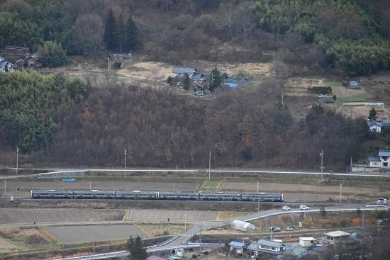 2020年11月21日撮影 篠ノ井線 坂北カーブを俯瞰 1533M 211系 その2