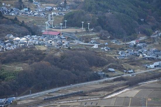 2020年11月21日撮影 篠ノ井線 坂北カーブを俯瞰 1533M 211系 その3