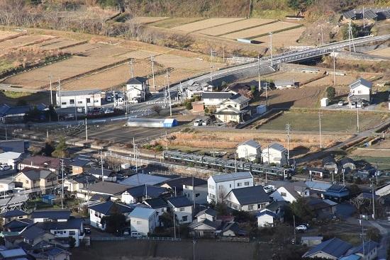 2020年11月21日撮影 1223M 211系 坂北駅俯瞰