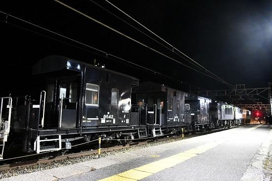 2021年2月13日撮影 贄川駅にて西線貨物5880レ ヨ太郎3兄弟