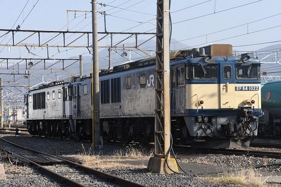 2021年2月7日撮影 南松本にて お休み中の EF64-1022+1003号機