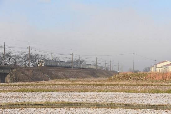 2020年12月5日撮影 中央東線 421M211系 霧の出始め-1