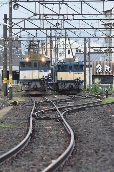 2021年7月3日撮影 篠ノ井線8087レ EF64更新色重連 機回し開始