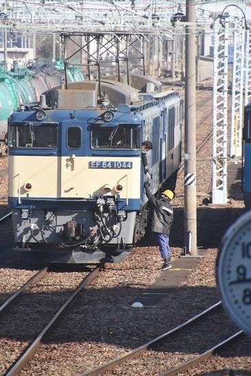 2021年2月14日撮影 南松本にて西線貨物8084レ 機回し 無線機渡し