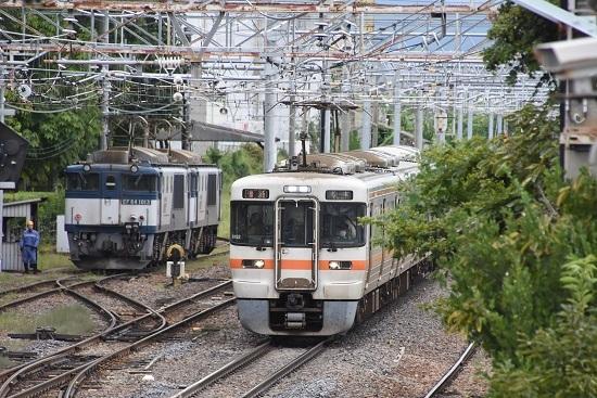 2020年9月19日撮影 南松本にて西線貨物8084レ 機回し 313系退避中