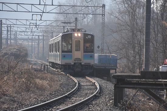 2021年2月21日撮影 信濃川島駅にて155M E127系 壊されたホームと