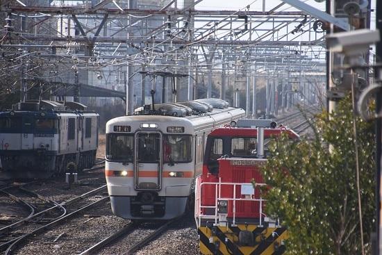 2021年2月21日撮影 南松本にて 西線貨物8084レ 313系1700番台を退避