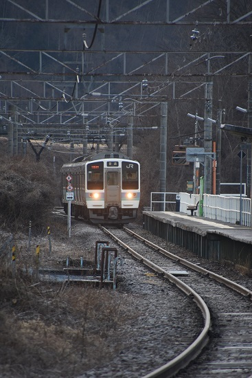 2021年2月28日撮影 辰野線は信濃川島駅にて1151M 211系