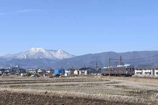 2021年2月28日撮影 長野電鉄 飯縄山をバックに 3500系