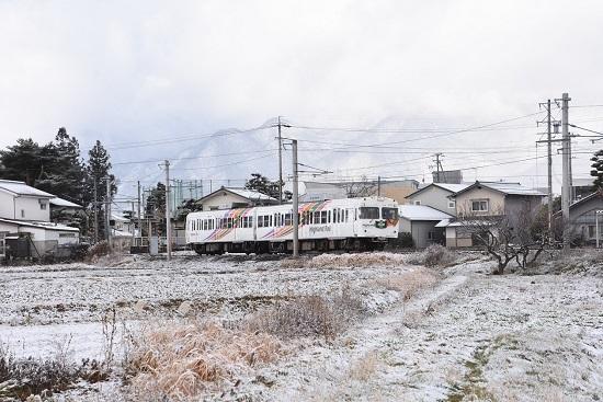 2020年12月19日撮影 アルピコ交通 3000系 北新・松本大学前駅発車