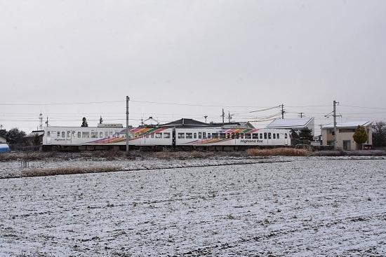 2020年12月19日撮影 アルピコ交通 3000系 雪景色の中を行く