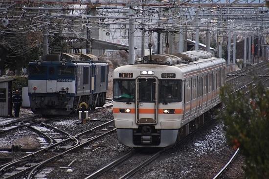 2020年12月19日撮影 南松本にて 西線貨物8084レ機回し 313系1700番台退避