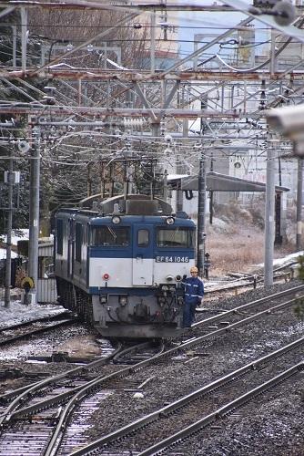 2020年12月19日撮影 南松本にて 西線貨物8084レ機回し 誘導員さんが乗るステップ
