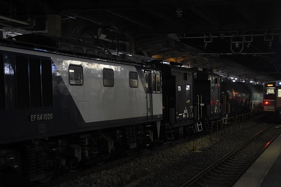 2021年3月1日撮影 西線貨物5880レ EF64-1020号機+ヨ太郎2両