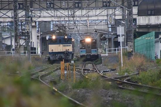 2020年10月3日撮影 篠ノ井線8467レ 明科駅にてE127系との並び