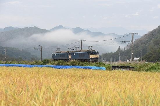 2020年10月3日撮影 篠ノ井線8467レ 坂北カーブにてEF64原色重連