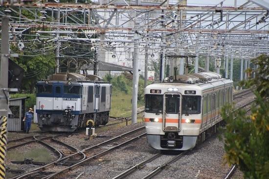 2020年10月3日撮影 南松本にて西線貨物8084レ機回し 3425M 313系1700番台