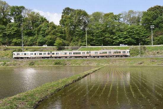 2021年5月9日撮影 飯田線は213M 313系1700番台 水鏡