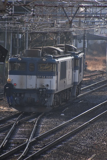 2020年12月27日撮影 南松本にて西線貨物8084レ機回し 本線横断