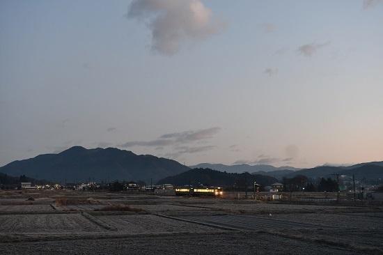 2020年12月13日撮影 飯田線202M 213系を手長桜の場所から