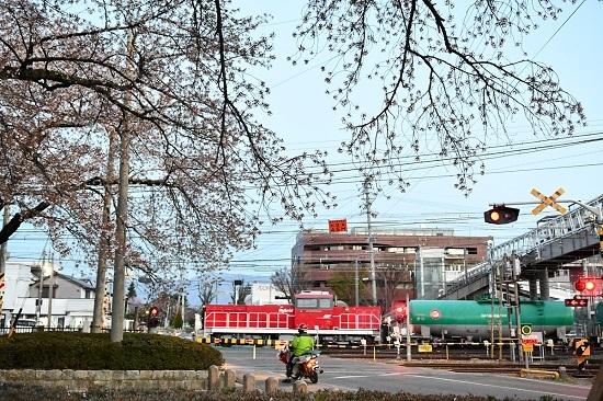2021年4月10日撮影 南松本にて HD300-17号機 オイルターミナルへと