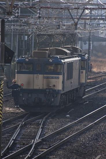 2020年12月29日撮影 南松本にて 西線貨物8084レ 機回し 本線横断