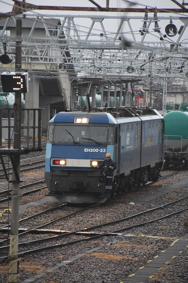 2020年12月30日撮影 東線貨物2080レ機回し 機回し発車
