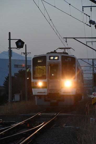 2021年3月18日撮影 羽場駅にて 2201M 213系 「快速」進入