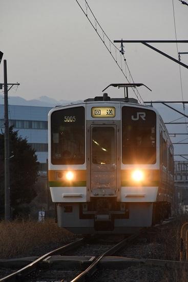 2021年3月18日撮影 飯田線 213系 回送 羽場駅進入