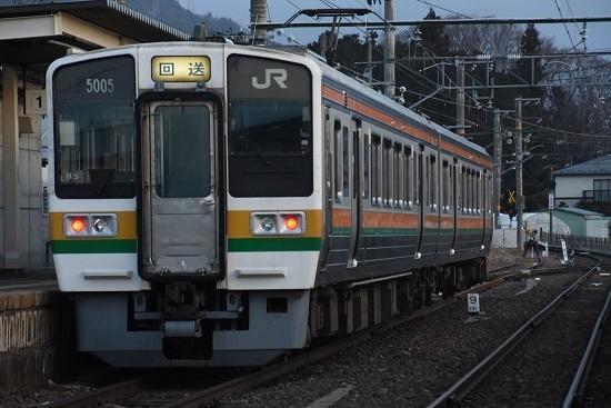 2021年3月18日撮影 飯田線 213系 回送 羽場駅にて