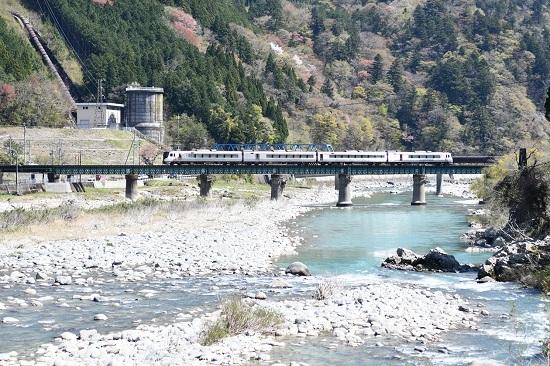 2021年4月11日撮影 高山本線 HC85試運転下り 飛騨川鉄橋